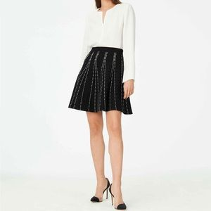 Club Monaco Plunetta Black Knit Flare Skirt Sz L